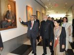 Narendra Modi_s slice of fashion in NY on 27th Sept 2014 (31)_54277f44954df.jpg