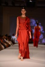 Model walk for Tarun Tahiliani Modern Mughals show for Sahachari Foundation in Mumbai on 28th Sept 2014 (633)_5429911f557ab.JPG