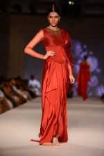 Model walk for Tarun Tahiliani Modern Mughals show for Sahachari Foundation in Mumbai on 28th Sept 2014 (636)_5429912265a8f.JPG