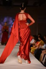 Model walk for Tarun Tahiliani Modern Mughals show for Sahachari Foundation in Mumbai on 28th Sept 2014 (638)_5429912551b70.JPG