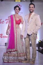 RJ Archana, Salil Acharya at Wedding Show by Amy Billiomoria in Mumbai on 28th Sept 2014 (273)_542999b9980f8.JPG