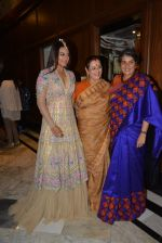 Sonakshi Sinha, Poonam Sinha at Sahachari Foundations show for Tarun Tahiliani in Mumbai on 28th Sept 2014 (184)_54299572021d5.JPG