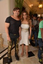 Yash Birla, Avanti Birla at Sahachari Foundations show for Tarun Tahiliani in Mumbai on 28th Sept 2014 (150)_542995ac75d25.JPG