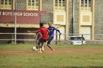 snapped playing football in Mumbai on 28th Sept 2014 (87)_5429905d860b5.JPG
