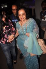 Asha Parekh, Padmini Kolhapure at Haider screening in Sunny Super Sound on 29th Sept 2014 (160)_542a92823d32f.JPG