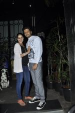 Genelia D Souza, Riteish Deshmukh snapped at Nido in Mumbai on 29th Sept 2014 (75)_542a8d545cf55.JPG