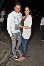 Genelia D Souza, Riteish Deshmukh snapped at Nido in Mumbai on 29th Sept 2014 (90)_542a8d592e671.JPG