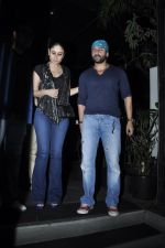 Kareena Kapoor, Saif Ali Khan snapped at Nido in Mumbai on 29th Sept 2014 (15)_542a8d70dd374.JPG