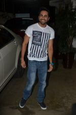 Ayushman Khurana at Haider screening in Sunny Super Sound on 30th Sept 2014 (287)_542be2810eb1a.JPG