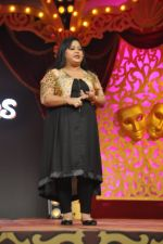Bharti Singh at Life Ok Comedy Classes launch in Mumbai on 30th Sept 2014 (113)_542be6a3b3cbd.JPG