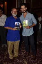Pankaj Kapur, Shahid Kapoor at Haider book launch in Taj Lands End on 30th Sept 2014 (173)_542be9781d3f6.JPG