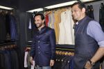 Saif Ali Khan inaugurates designer Raghavendra Rathore_s new store in Mumbai on 30th Sept 2014 (107)_542bdf7ae7b77.JPG