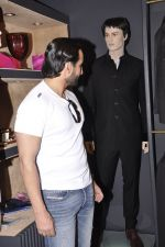 Saif Ali Khan inaugurates designer Raghavendra Rathore_s new store in Mumbai on 30th Sept 2014 (140)_542bdf9bd1ff7.JPG