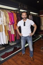 Saif Ali Khan inaugurates designer Raghavendra Rathore_s new store in Mumbai on 30th Sept 2014 (161)_542bdfb291982.JPG