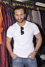 Saif Ali Khan inaugurates designer Raghavendra Rathore_s new store in Mumbai on 30th Sept 2014 (169)_542bdfba4950f.JPG