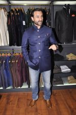 Saif Ali Khan inaugurates designer Raghavendra Rathore_s new store in Mumbai on 30th Sept 2014 (70)_542bdf57af3f3.JPG