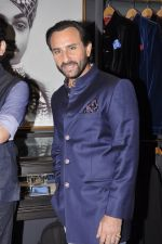 Saif Ali Khan inaugurates designer Raghavendra Rathore_s new store in Mumbai on 30th Sept 2014 (85)_542bdf63e1dcd.JPG