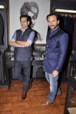 Saif Ali Khan inaugurates designer Raghavendra Rathore_s new store in Mumbai on 30th Sept 2014 (86)_542bdf64d0675.JPG