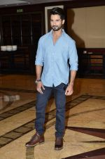 Shahid Kapoor at Haider book launch in Taj Lands End on 30th Sept 2014 (87)_542be97d52965.JPG