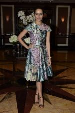 Shraddha Kapoor at Haider book launch in Taj Lands End on 30th Sept 2014 (118)_542bea7cc13e5.JPG