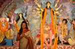 Sushmita Sen at Durga Pooja on 30th Sept 2014 (100)_542be035b5084.JPG