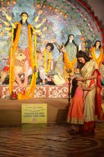 Sushmita Sen at Durga Pooja on 30th Sept 2014 (184)_542be08787e5c.JPG
