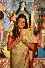 Sushmita Sen at Durga Pooja on 30th Sept 2014 (194)_542be090bb078.JPG