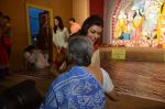 Sushmita Sen at Durga Pooja on 30th Sept 2014 (31)_542bdff417e06.JPG