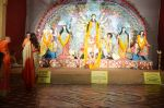 Sushmita Sen at Durga Pooja on 30th Sept 2014 (6)_542bdfdb5d4dd.JPG