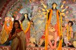 Sushmita Sen at Durga Pooja on 30th Sept 2014 (92)_542be02df0e01.JPG