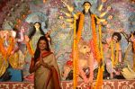 Sushmita Sen at Durga Pooja on 30th Sept 2014 (98)_542be033c3d1b.JPG