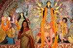 Sushmita Sen at Durga Pooja on 30th Sept 2014 (99)_542be034c2c50.JPG