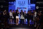 Diana Penty walk the ramp for Elle Show on day 3 of Myatra fashion week on 5th Oct 2014 (45)_54313bfa0ee17.JPG