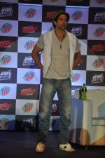 Hrithik Roshan at Bang Bang Mountain Dew event on 1st Oct 2014 (58)_5430dd9d436f9.JPG