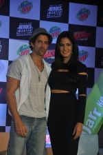 Hrithik Roshan, Katrina Kaif at Bang Bang Mountain Dew event on 1st Oct 2014 (14)_5430de8c64eb3.JPG