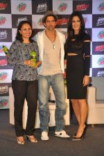 Hrithik Roshan, Katrina Kaif at Bang Bang Mountain Dew event on 1st Oct 2014 (62)_5430decea2bec.JPG