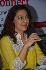 Juhi Chawla at Dr Devra Davis book launch in press club on 2nd Oct 2014 (12)_5430d8f717084.JPG
