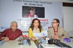 Juhi Chawla at Dr Devra Davis book launch in press club on 2nd Oct 2014 (3)_5430d8e458d95.JPG