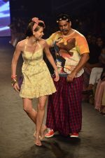 Kalki Koechlin, Cyrus Broacha walk for Kalki show at Myntra fashion week day 2 on 4th Oct 2014 (439)_5430edea57d2f.JPG