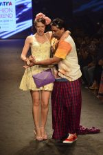 Kalki Koechlin, Cyrus Broacha walk for Kalki show at Myntra fashion week day 2 on 4th Oct 2014 (443)_5430edf97d7d2.JPG