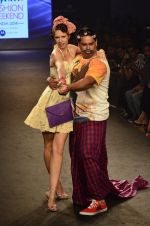 Kalki Koechlin, Cyrus Broacha walk for Kalki show at Myntra fashion week day 2 on 4th Oct 2014 (445)_5430ee00411c4.JPG