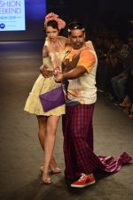 Kalki Koechlin, Cyrus Broacha walk for Kalki show at Myntra fashion week day 2 on 4th Oct 2014 (447)_5430ee0591e90.JPG