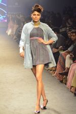 Model walk for Kalki show at Myntra fashion week day 2 on 4th Oct 2014 (21)_5430ecd0ac48b.JPG
