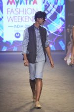 Model walk for Kalki show at Myntra fashion week day 2 on 4th Oct 2014 (61)_5430edc267a33.JPG