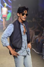 Model walk for Kalki show at Myntra fashion week day 2 on 4th Oct 2014 (67)_5430ede7144e7.JPG