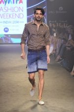 Model walk for Kalki show at Myntra fashion week day 2 on 4th Oct 2014 (69)_5430edf464166.JPG
