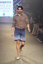 Model walk for Kalki show at Myntra fashion week day 2 on 4th Oct 2014 (70)_5430edfa7c2f9.JPG