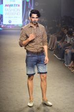 Model walk for Kalki show at Myntra fashion week day 2 on 4th Oct 2014 (72)_5430ee08f1d8c.JPG