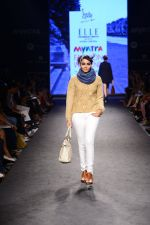 Model walk the ramp for Elle Show on day 3 of Myatra fashion week on 5th Oct 2014 (261)_54313c3461544.JPG