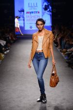 Model walk the ramp for Elle Show on day 3 of Myatra fashion week on 5th Oct 2014 (272)_54313c61ce1e4.JPG
